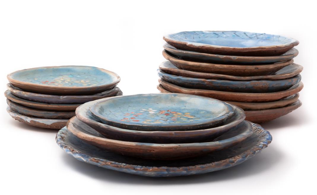 Ceramica olianas sardegna vetrine dell 39 artigiano artistico for Piani scrivania stile artigiano
